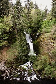 Dead Point Falls Hood River Oregon   Lovely Clusters - http://www.lovelyclustersblog.com