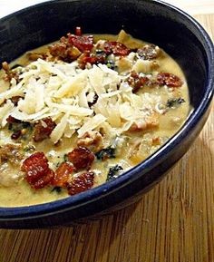 Better Than Olive Garden - Zuppa Toscana (bacon hot Italian sausageonion garlic chic stock potatoes sea salt pepper kale heavy whippingcream park cheese)