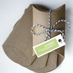 10 Kraft Pillow Boxes  great for wedding favors / by thewrappery, $3.99