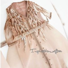 inspiration #caftan#maroc#nederland#hollande#amesredam#utrecht #denhaag#roterdam#france #paris#dubai #kwt #saadlamjarred #kylliejenner #abudhabi #kuwait #bahrin#oman#qatar#duha #anastasiabeverlyhills#lipstick #hudabeauty#kimkardashian #maccosmetics #fashion#aid #summer17#weddingdress