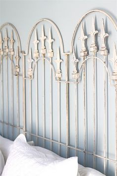 how cool is this? Three garden trellises? Love it!-i used 2 really big ones for my head/foot board, turned out nice Pics on my junk shabby chic board :)