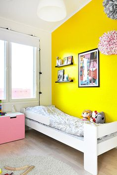 Pleasing 30 Best Yellow Accent Wall Images In 2013 Yellow Accent Home Interior And Landscaping Ferensignezvosmurscom
