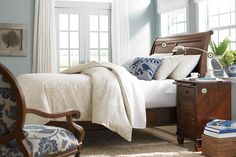 I've always wanted a sleigh bed, and again, love the blue & white color combo