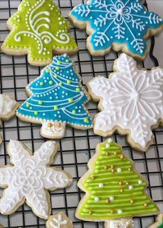 Sorta Fancy Decorated Cookies #food #cookies #royalicing Christmas Tree Cookies, Iced Cookies, Christmas Sweets, Christmas Cooking, Royal Icing Cookies, Cookies Et Biscuits, Holiday Cookies, Cupcake Cookies, Gingerbread Cookies