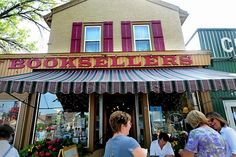 Story of Lake Country Booksellers in White Bear Lake, MN.