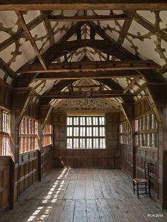 Iconic Tudor manor house - Little Moreton Hall - Wood, wood and more wood! Tudor Era, Tudor Style, Tudor House, Little Moreton Hall, Architecture Design, Tudor Architecture, Landscape Architecture, Medieval Houses, Medieval Life