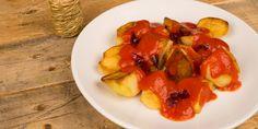Préparation : 1. Ecrasez au presse-ail les gousses d'ail et ciselez le persil. Dans une casserole d'eau bouillante salée, plongez les pommes de terre et laissez-les cuire 5 minutes. Vid…
