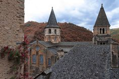 Abbatiale Sainte Foy, Conques,France by Roger Dan on 500px