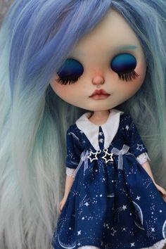 Custom Blythe OOak Galatea by drablythe image 4 Full Makeup, Close Your Eyes, Eye Make, Felt Dolls, Handmade Items, Handmade Gifts, Custom Paint, Blythe Dolls, Beautiful Dolls