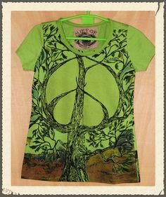 a5b95921c6f48 Camiseta estampada Mirror manga corta color verde.Talla única. Medidas de  la camiseta (cm)   Pecho 43, Hombros 34, Largo 60. 100% Algodón. Precio  6€