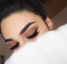 Top Trend 2018 Augenbrauen Modelle und Augen Make-up - # Eye # Eyebrow # Make-up . - make up modelle Gorgeous Makeup, Pretty Makeup, Love Makeup, Makeup Inspo, Makeup Inspiration, Makeup Style, Makeup Box, Style Inspiration, Makeup 2016