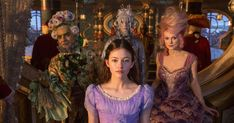 Mackenzie Foy as Clara and Keira Knightley as Sugar Plum in disney's The Nutcracker and the Four Realms The Knight Before Christmas, Christmas With The Kranks, Best Christmas Movies, Christmas Fun, Holiday Movie, Christmas Foods, Xmas, Nutcracker Characters, Movie Characters