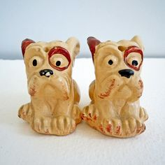 Bulldogs (salt and pepper shakers)