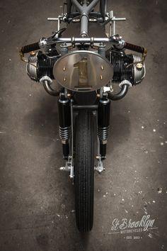 Nous n'avions jamais entendu parler de St Brooklyn Motorcycles. Quelle erreur…