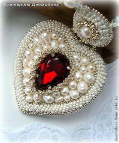 """Кулоны, подвески ручной работы. Ярмарка Мастеров - ручная работа """"Тайна Любви""""- жемчужный кулон с кристаллом.. Handmade."""