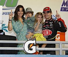 PHOTOS (Nov. 25, 2012): Jeff Gordon and the No. 24 team at Homestead. More: http://www.hendrickmotorsports.com/news/photos/2012/11/22/Jeff-Gordon-and-the-No-24-team-at-Homestead#
