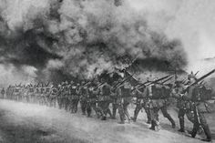 4 augustus 1914 - het Duitse leger valt België binnen. Gefustreerd door de Tegenstand van het Belgische leger, zetten zij hun doortocht al moordend en brandend verder richtin Luik.