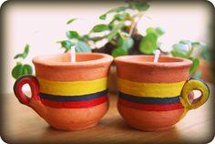 """Eco-velas De Origen: chorotitos con aroma a café colombiano. De Origen Eco-candles: mud """"chorotitos"""", colombian coffee scented."""