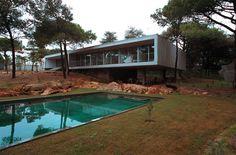 Eduardo Souto de Mora.  Casa en Cascais, Portugal.  Fotografía: Luis Ferreira Alves / Ivana Barbeito.  #tc_arquitectura   #architecture_publication #portuguese_architecture