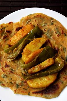 Aloo Capsicum or Aloo Shimla Mirch Sabzi in Punjabi Style. Simple and Easy Aloo Capsicum Recipe. My mom-in-law& fab recipe made with capsicum and potatoes. Indian Vegetable Recipes, Indian Vegetarian Dishes, Indian Food Recipes, Aloo Recipes, Veg Recipes, Vegetarian Recipes, Cooking Recipes, Lunch Recipes, Yummy Recipes