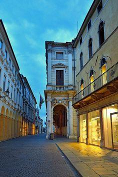 Corso Palladio e Palazzo Trissino-Baston, Vicenza, Italy (ph. Saverio Bortolamei)