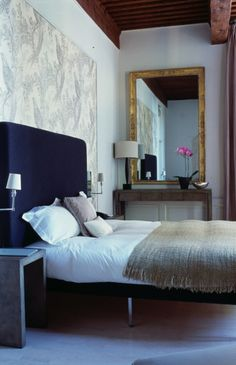 Source: Birgit Israel  Birgit Israel are a antiques and bespoke furniture company based in London. They occasionally do interiors too. We're not complaining. Very Elegant.