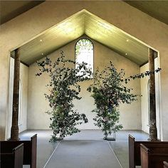 Love the impact and simplicity of striping down the chapel and showcasing this striking peice Intimate Wedding Ceremony, Wedding Ceremony Flowers, Wedding Ceremony Decorations, Wedding Arches, Wedding Ceremonies, Alternative Wedding Decorations, Diy Wedding Backdrop, Flower Installation, Rustic Outdoor