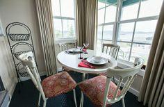 50 Einrichtungsideen für kleine Esszimmer - esszimmer esstisch stühle auflagen holz rückenlehne