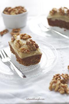 Mini cakes de nueces y café
