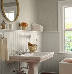 pedestal sink, beadboard with deep ledge