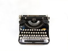 249 euro - 1934 - Underwood 4 Bank Portable Typewriter - F Model - Black - Working - Includes Case and Ribbon