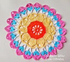 Tecendo Artes em Crochet: Toalhinha Colorida que Também fica linda como Sous...