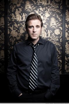 Sean McCann ---of Great Big Sea. Amazing singer.