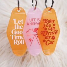 Dream cars images are available on our website. Rolling Car, Cute Car Accessories, Interior Accessories, Girly Car, Car Essentials, Cute Keychain, Keychain Ideas, Jeep, Key Tags