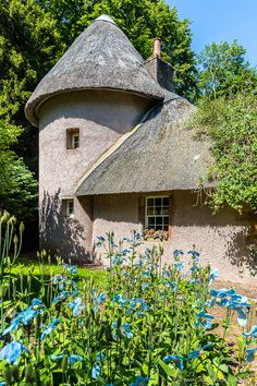 Under-the-Radar Places to Travel in Scotland - 5 Must-See Spots Cottage at Mellerstain House Beautiful Places To Visit, Cool Places To Visit, Great Places, Scottish Country Cottages, Dumfries House, Cottages Scotland, European Travel Tips, Travel Through Europe, England Ireland