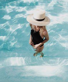 Mija by Mirjam Flatau sur Instagram : Morning dip #marysiaswim #janessaleone