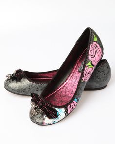 Buy me these shoes please...