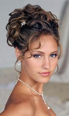 Bridal Updo Hairstyles for Long Hiar with Veil Half Up 2013 For short hair indian Half Up Half Down - Hairstyles Ideas Medium Length Hair With Bangs, Up Dos For Medium Hair, Long Hair With Bangs, Short Hair Updo, Medium Hair Styles, Curly Hair Styles, Curly Updos For Medium Hair, Mother Of The Groom Hairstyles, Mother Of The Bride Hair