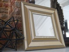 miroir en carton ondulé doré 40x40