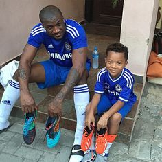 """Peter of P-Square with his son... """"And it's time for us to win the first Trophy of the season... Let's go #TeamChelsea #CapitalOneCup"""""""