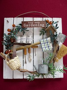 GaRDeN PLaQUe Cool Paper Crafts, Wire Crafts, Fun Crafts, Diy And Crafts, Miniature Crafts, Miniature Fairy Gardens, Hobbies And Crafts, Crafts To Sell, Garden Plaques