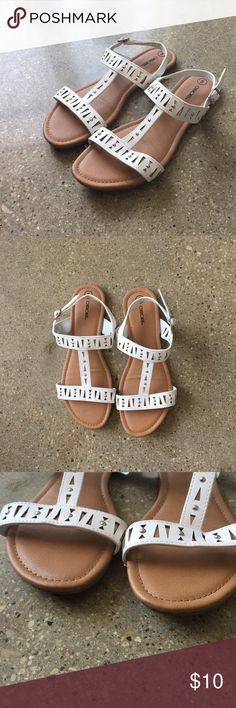 EUC white studded sandals Big kids 5 equates to women's 7. Except for the bottoms these show no signs of wear. Needed for 1 event. No PayPal, no trades, offers welcome via offer button only! Cherokee Shoes Sandals