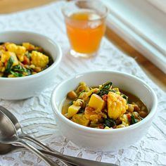 crockpot curried vegetable and chickpea stew. 8 servings = 5pts+ using light coconut milk. - navy beans instead of chickpeas for scd friendly!