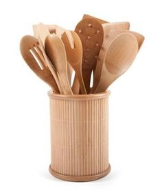 Core Bamboo 14pc Bamboo Utensil Set: This space-saving eco-friendly bamboo canister holds 14 oversized utensils in one convenient spot.