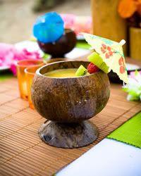 Luau idea coconut cups for beach pool party 13th Birthday Parties, Luau Birthday, Anniversary Parties, 10th Birthday, Birthday Ideas, Aloha Party, Tiki Party, Luau Party, Beach Party