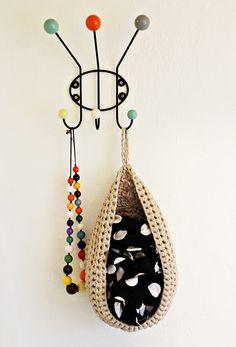cute way to display scarves\\