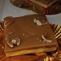 Walt Disney World, Epcot. Karamell Kuche caramel pecan bar #Disney #Snack