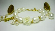 Set elaborado a mano en perlas cultivadas. #aretes #collares #pulseras#moda #fashion #medellin