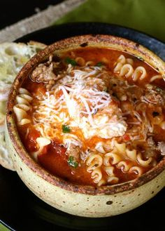 Lasagna Soup with cheesy yum from afarmgirlsdabbles. - This Lasagna Soup is truly like lasagna in a bowl. It's packed with the familiar flavors of lasagna, with an ooey gooey cheesy concoction that Cooker Recipes, Crockpot Recipes, Hearty Soup Recipes, Easy Recipes, Amazing Recipes, Comfort Food Recipes, Italian Soup Recipes, Italian Sausage Soup, Aloo Recipes