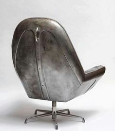 London based upcycle design company The Rag and Man created furniture called 'Beetle Club Chair' made out of a VW bonnet. Car Part Furniture, Automotive Furniture, Automotive Decor, Metal Furniture, Industrial Furniture, Furniture Design, Handmade Furniture, Recycled Furniture, Furniture Plans